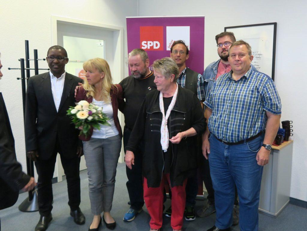 Alpha Amadou Barry, Katrin Gensecke, Olaf Schmiedeck, Bärbel Fox, Peter Marx, Rico Rauch, Bernd Peters (v.l.n.r.)